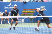 Bryanbrothers8_net_play