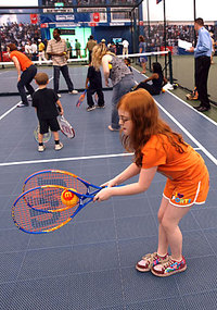 Kids_two_racket