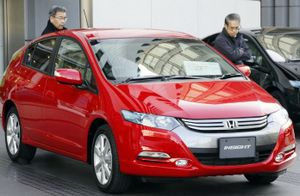Honda_insightred