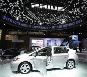 Prius_at_detroit