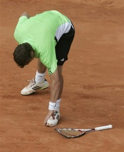 Safin_break_racket