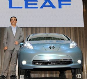 Nissan_leaf_goan0