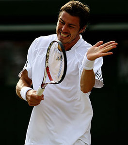 08_hit_racket