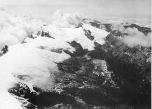Puncak_jaya_icecap_1936