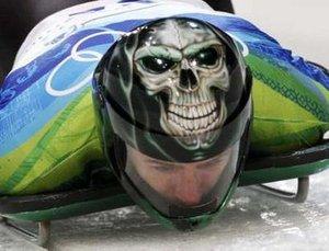 Skelton_helmet_rujye