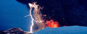 Lightning_volcano